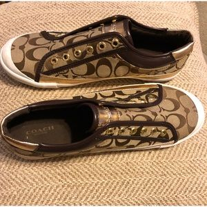 Woman's Coach Signature Slip On Sneakers Size 9.5